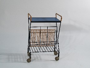 Serving table on wheels I.