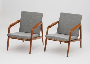 Pair of two oak easychairs